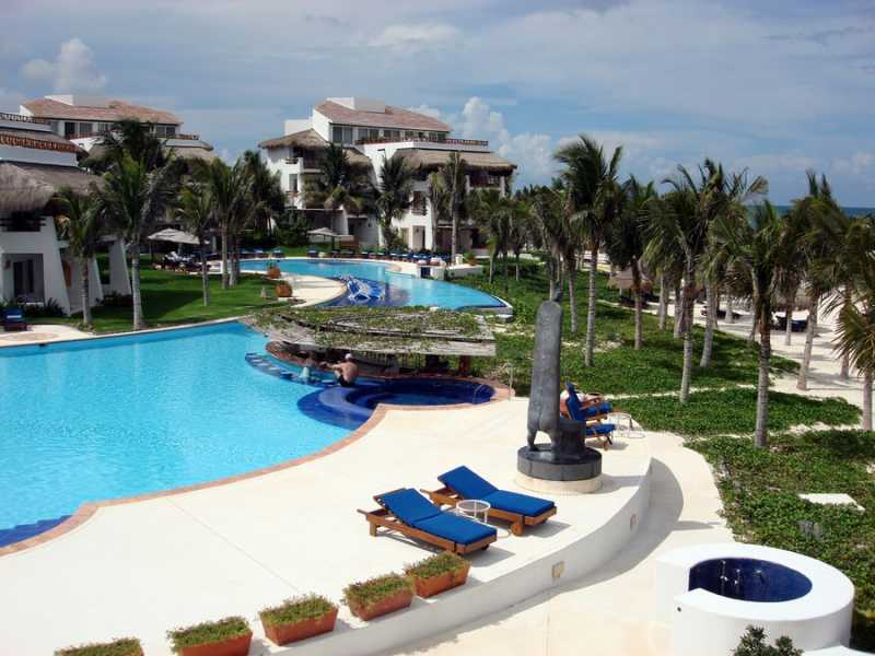 Pool at Ceiba del Mar