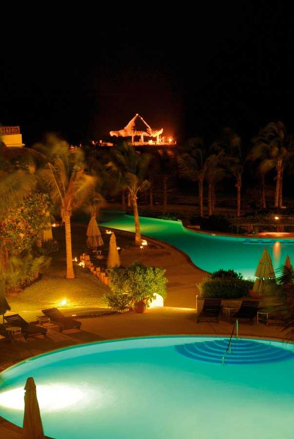 Ceiba del Mar pool at night