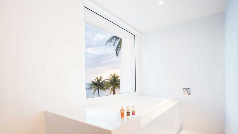 Seduction Beachfront Soaking Tub