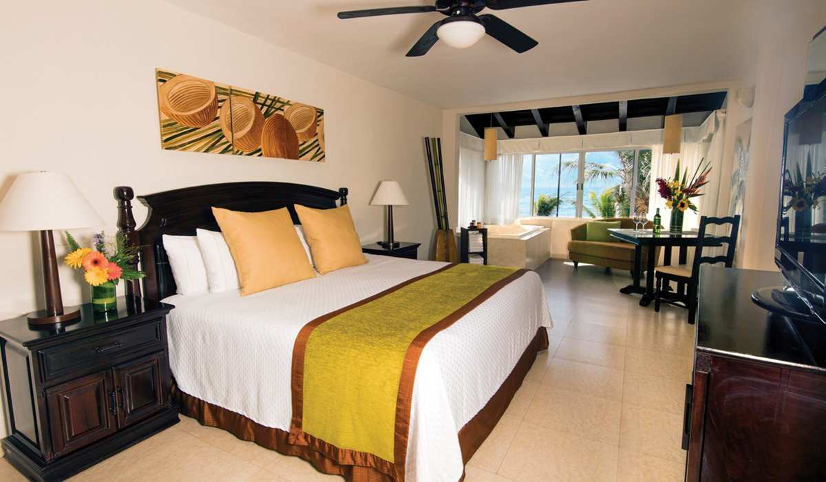 Ocean Front Suite - Hidden Beach Resort