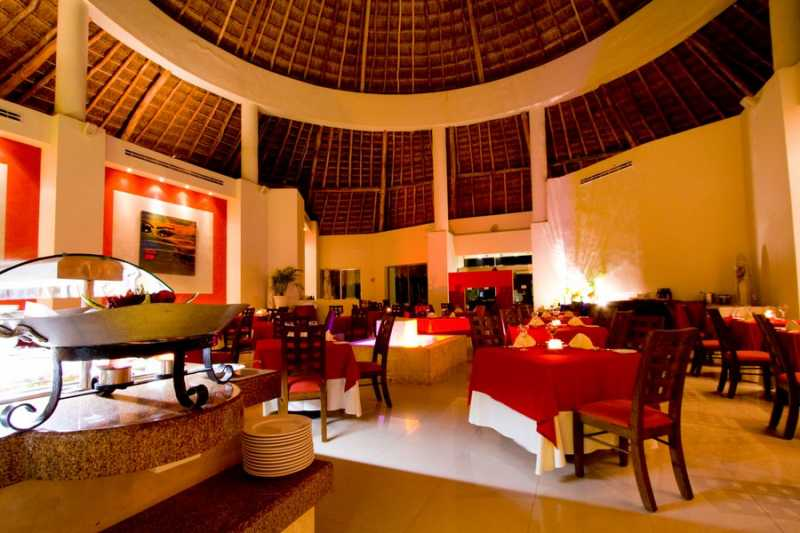 El Arrcife restuarant at Desire Resort Riviera Maya