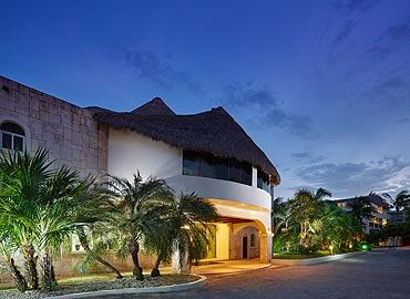 Desire Resort Main Enterance