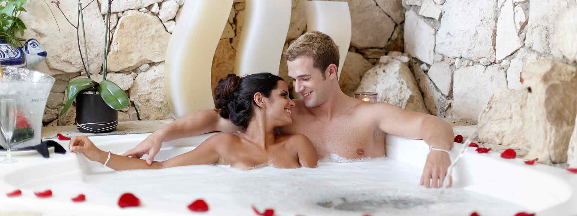 Desire Pearl Couple in Jacuzzi