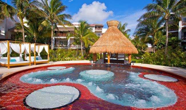 Desire Resort Pearl Jacuzzi Lounge